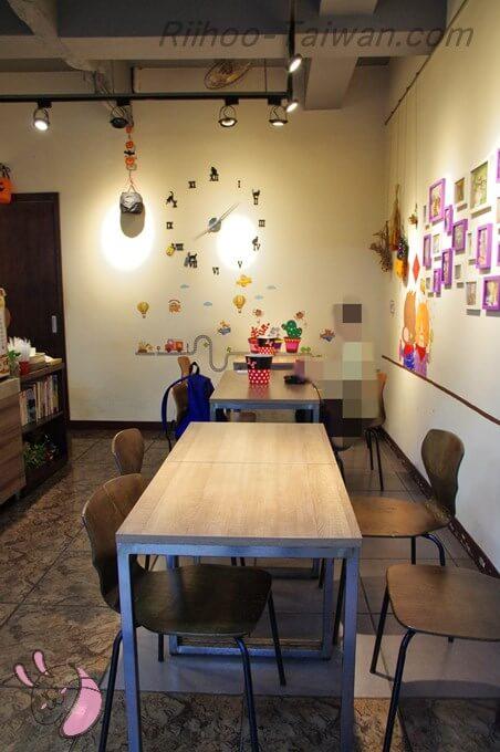 餓店碳烤吐司-店内の座席