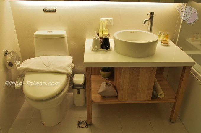 フォワードホテル台北(台北馥華商旅松江館) トイレ&洗面台