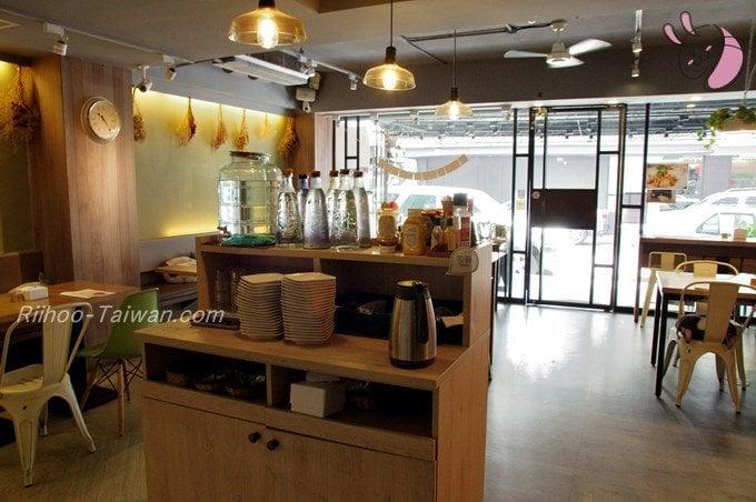 初米咖啡 Choose Me Cafe&Meals セルフカウンター