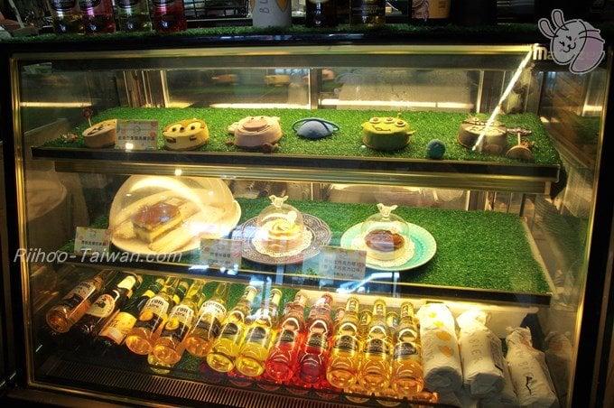 初米咖啡 Choose Me Cafe&Meals ケーキのショーケース