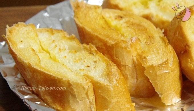 福利麺包(FLORIDA BAKERY) 焼いたガーリックフランスパン