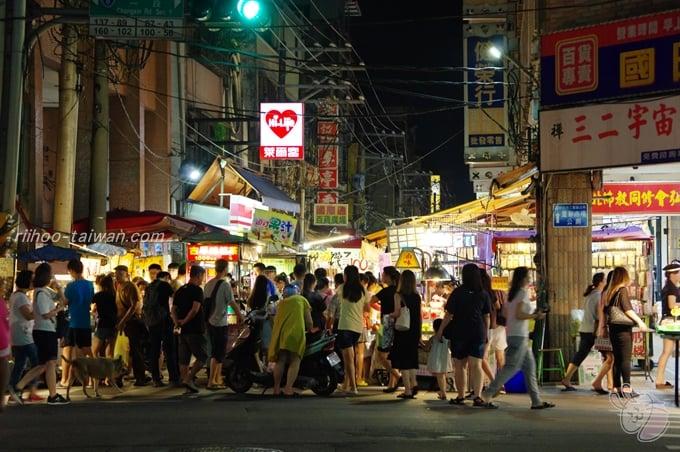 三和夜市 人は多かったです