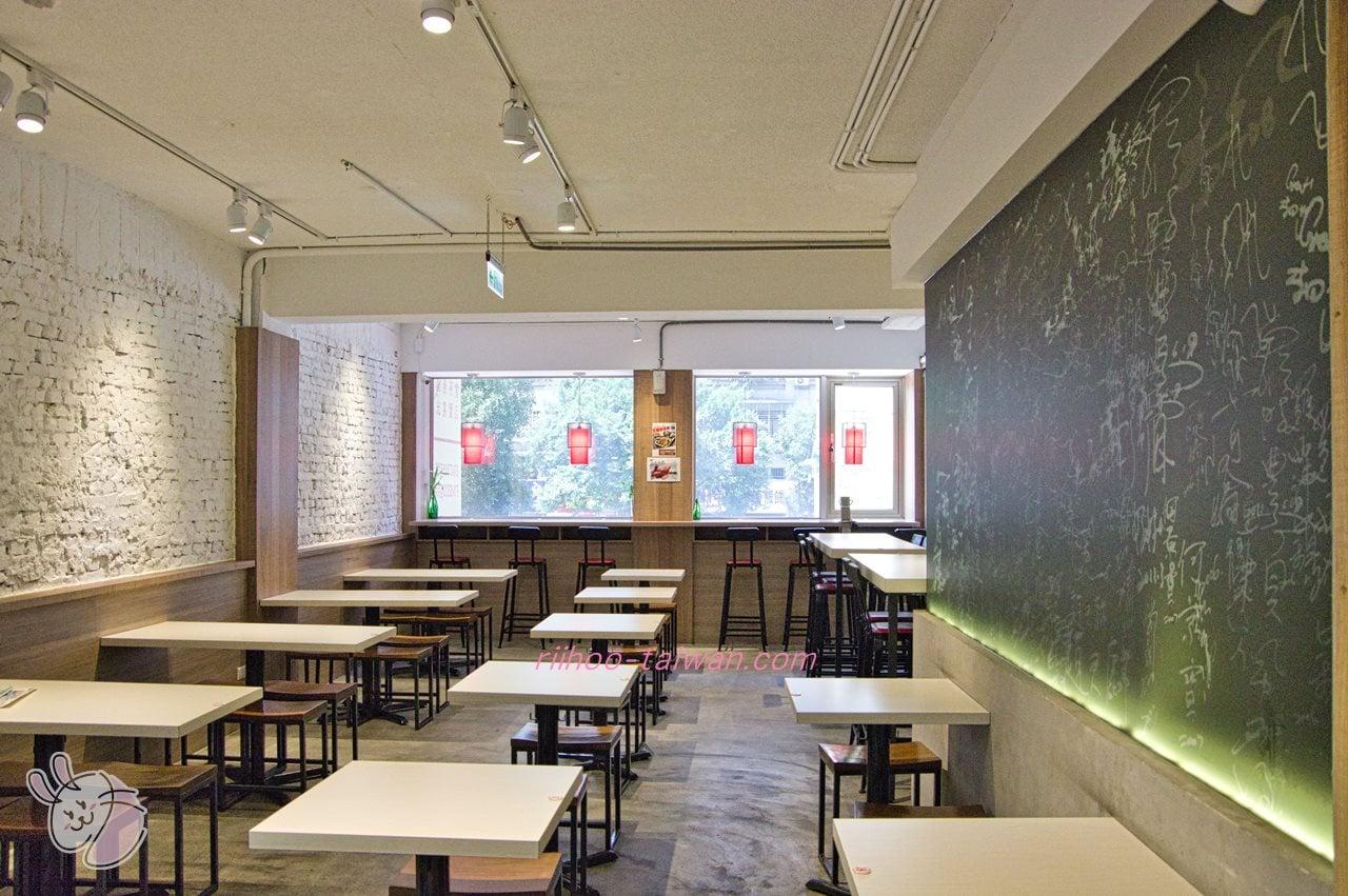 文慶雞(文慶鶏)  2階のイートインスペース