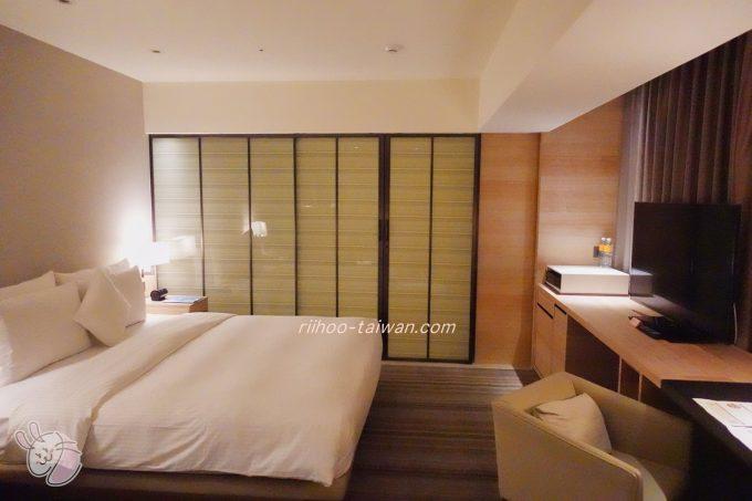 ホテルCOZZI(コッツィ)民生館台北 部屋の中の扉を閉めればバスルームと仕切れます。