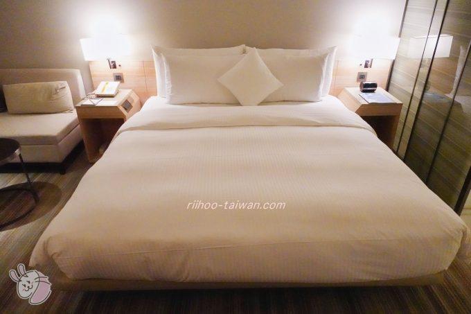 ホテルCOZZI(コッツィ)民生館 大きいベッド
